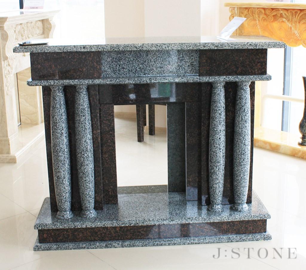 Современный портал для камина с колоннами из натурального камня