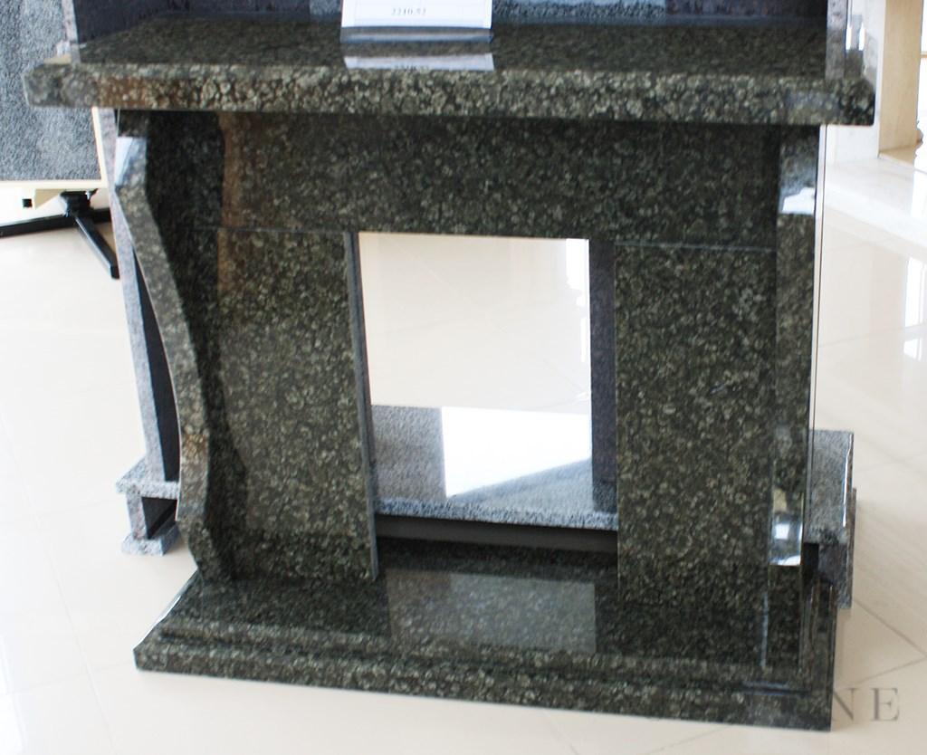 Современный портал для камина из натурального камня