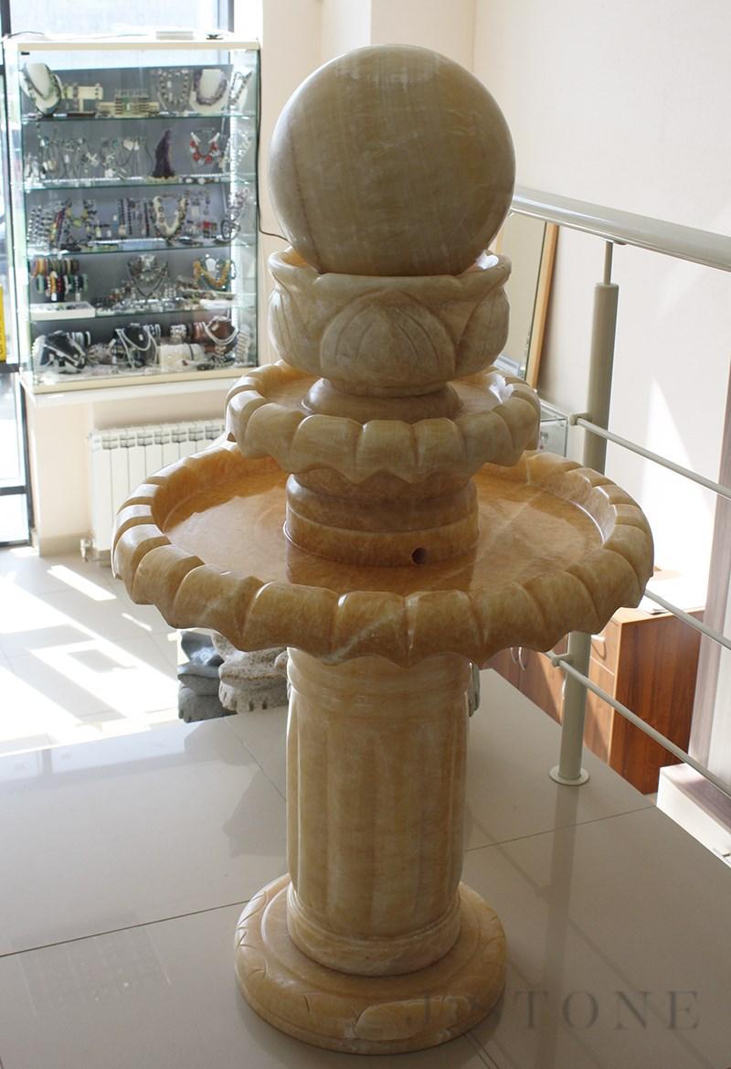Напольный фонтан из оникса 70×70×130 см